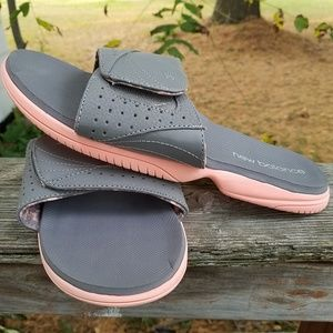 New Balance slide sandals, like new. Sz 11